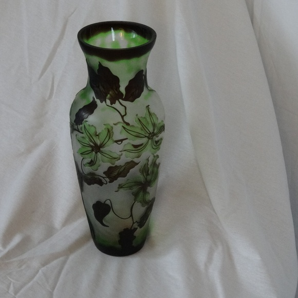 """Translucent Frosted Glass Tiger Lily 14"""" Tall Vase"""
